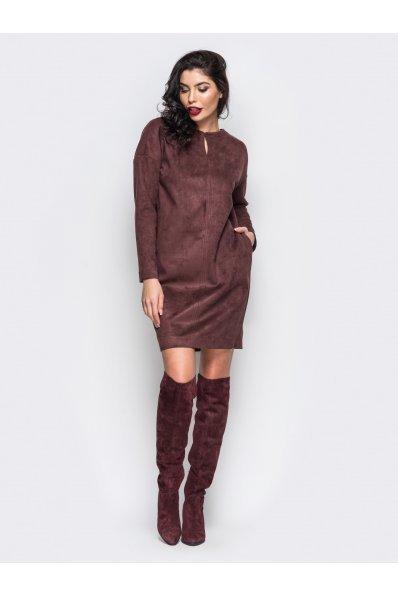 Свободное коричневое платье из замши