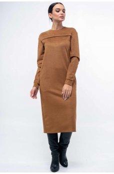 Замшевое платье прямого силуэта карамельное