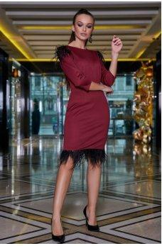 Гламурное женское платье бордового цвета