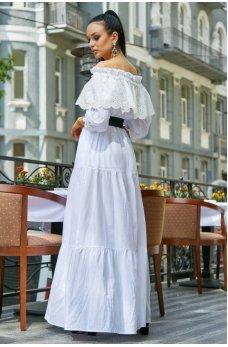 Изысканное платье белого цвета