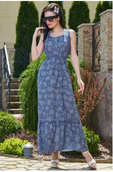 Женственное платье синего цвета с цветочным принтом