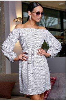 Легкое летнее платье белого цвета в мелкий темно-синий горох