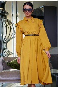 Женственное горчичное платье с воротником аскот