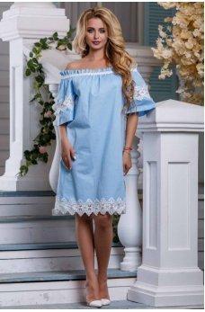 Изысканное платье нежно голубого цвета с кружевом