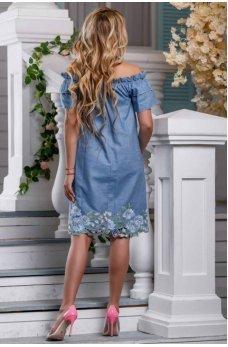 Гламурное молодежное платье голубого цвета с цветочным принтом