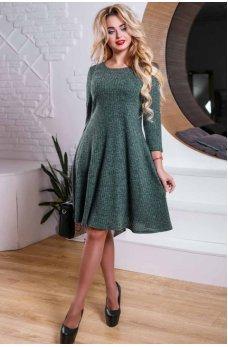 Темно-зеленое платье со свободной юбкой из вязаного трикотажа