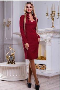 Привлекательное платье марсала с изысканным воротником