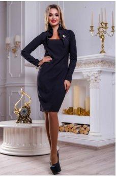 Привлекательное черное платье с изысканным воротником