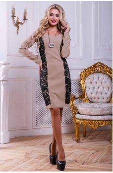 Кофейное оригинальное платье с гипюром