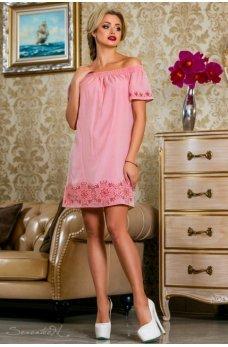 Летнее женственное платье розового цвета