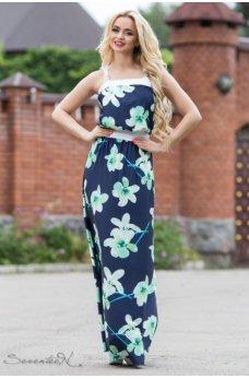 Нежное длинное платье темно-синего цвета