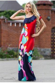 Изящное длинное платье красного цвета