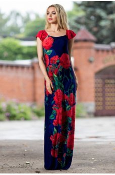 Яркое длинное платье темно-синего цвета с принтом