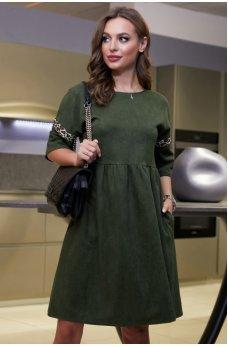 Стильное замшевое платье цвета хаки со вставкой