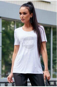 Белая свободная спортивная футболка