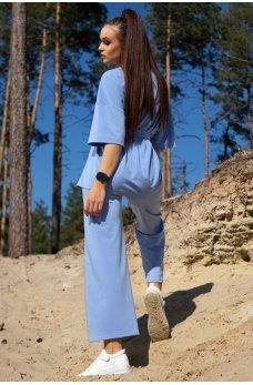 Голубой спортивный костюм с штанами