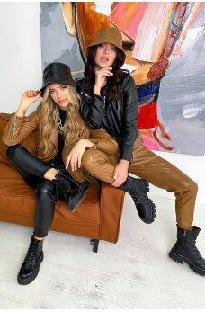 Черная стильная куртка-косуха в байкерском стиле