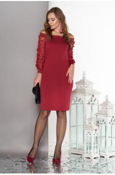 Трикотажне  плаття  вишневого  кольору