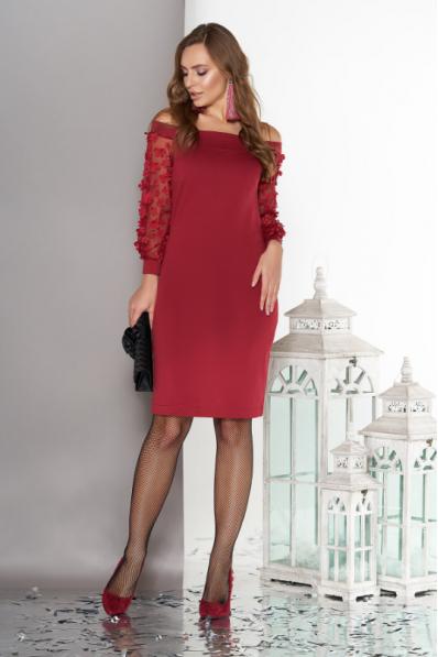 Трикотажное платье вишневого цвета