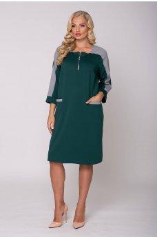 Зеленое комфортное спортивное платье батал