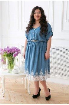 Голубое джинсовое стильное платье с кружевом