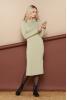 Уютное шерстяное платье с воротником хомут