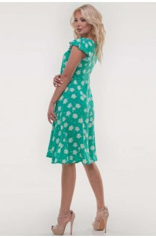 Зеленое летнее платье с принтом